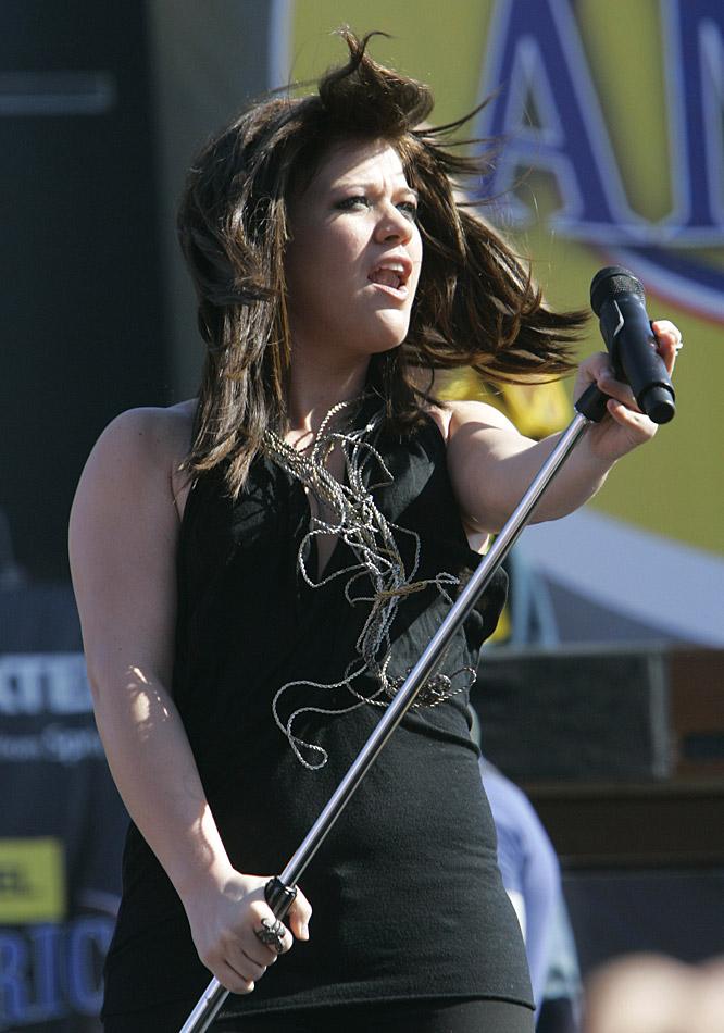"Former American Idol winner Kelly Clarkson performed NASCAR's ""Tribute to America"" before the Daytona 500."