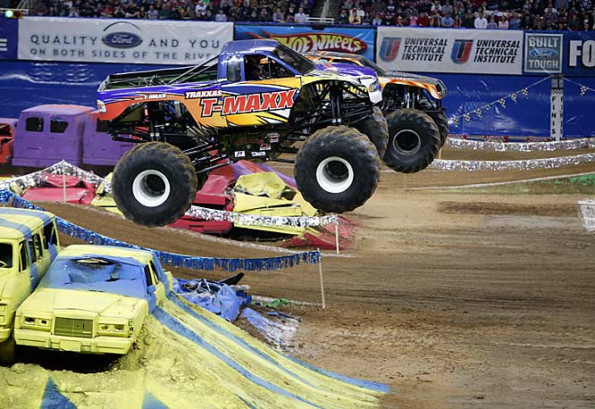 For the finals, Monster Jam officials had Maximum Destruction and T-Maxx run two laps around the course instead of one, with Destruction pulling away for the victory.