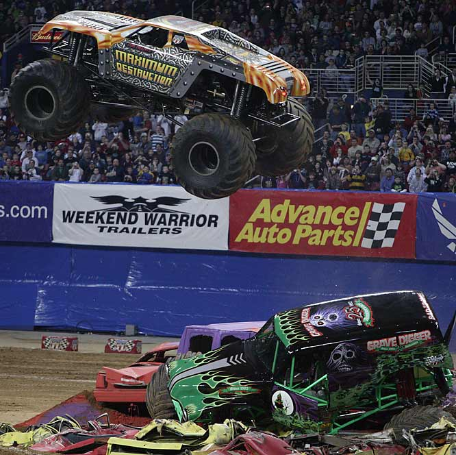 Maximum Destruction responded by flying over Grave Digger, which had been left on the track stuck on an obstacle.