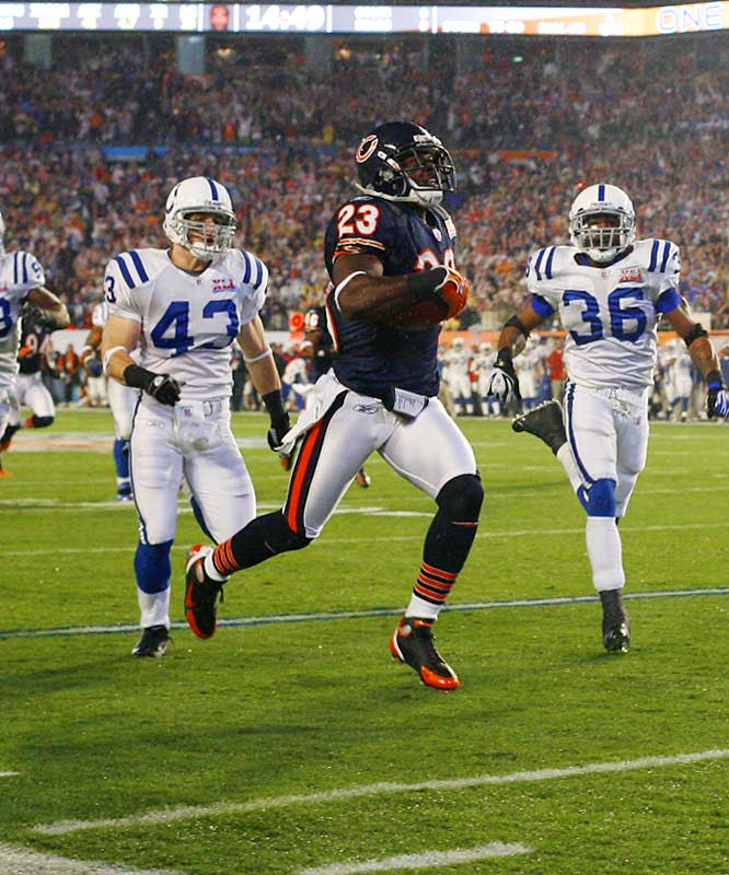 Devin Hester returns the opening kickoff for a touchdown - the first time that's happened in a Super Bowl.