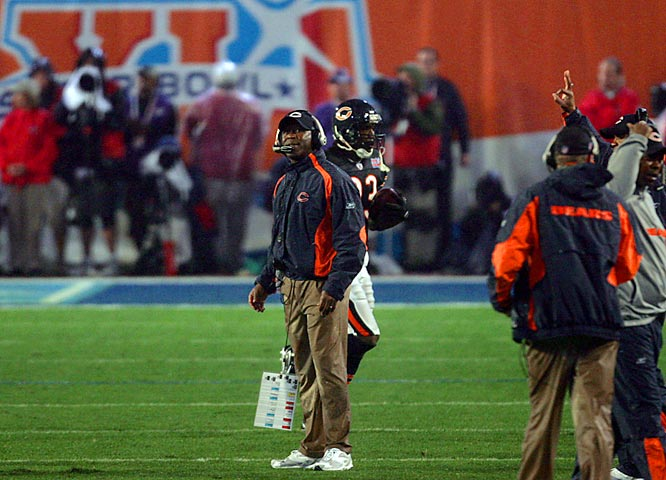 14 ... Lovie Smith's Bears became only the second team to score at least 14 first-quarter points and lose a Super Bowl. The Patriots led the Packers 14-10 after the first quarter in Super Bowl XXXI but lost 35-21.