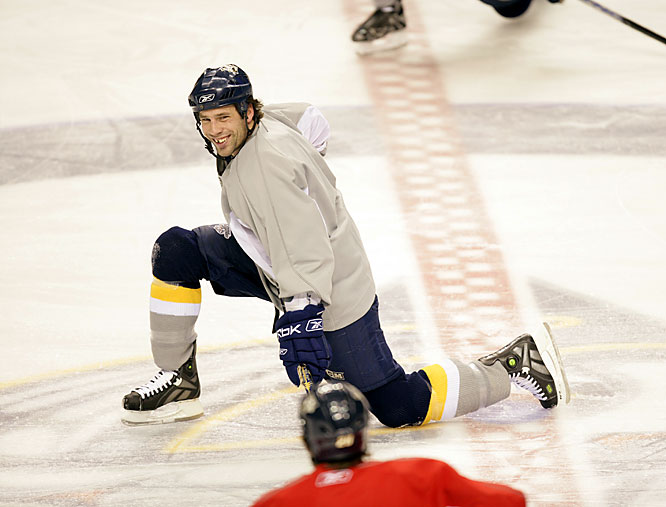 Friday 12:17PM<br> Center David Legwand, the first player drafted by the Predators before their inaugural season in 1998, leads the team in stretching. The ensuing practice would be high-spirited and energetic.
