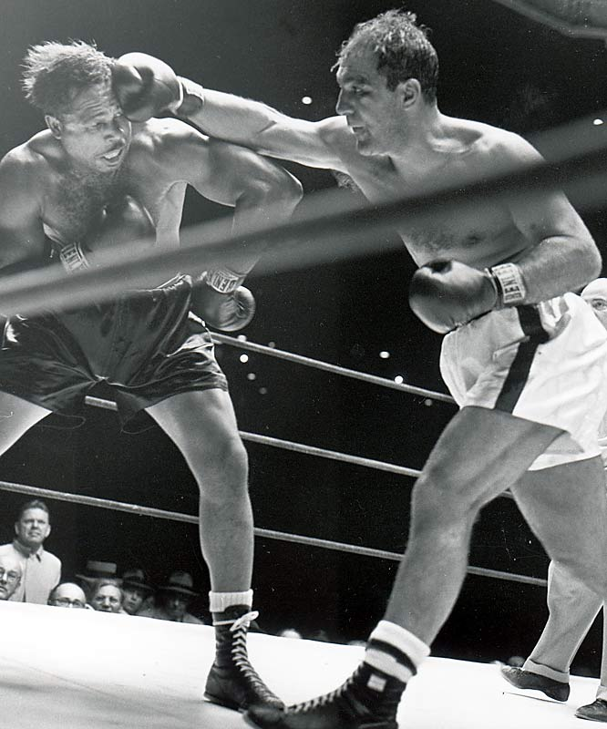 Rocky Marciano's 49 consecutive wins from 1947 to 1956, during his unbeaten pro career.