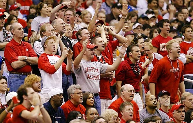 Ohio State fans express their displeasure with the referees during the Buckeyes Sweet 16 matchup against Memphis on Saturday.