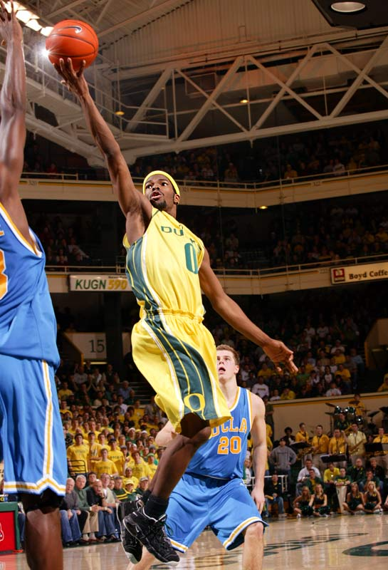The Ducks (26-7) are flying high after winning the Pac-10 tournament. Sprite guard Aaron Brooks can light it up.