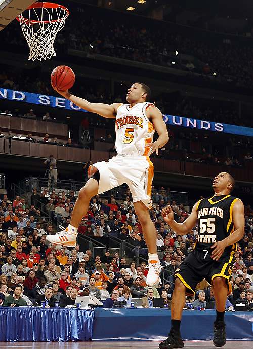 SEC Player of the Year Chris Lofton paced an explosive Tennessee offense, scoring 25 points.