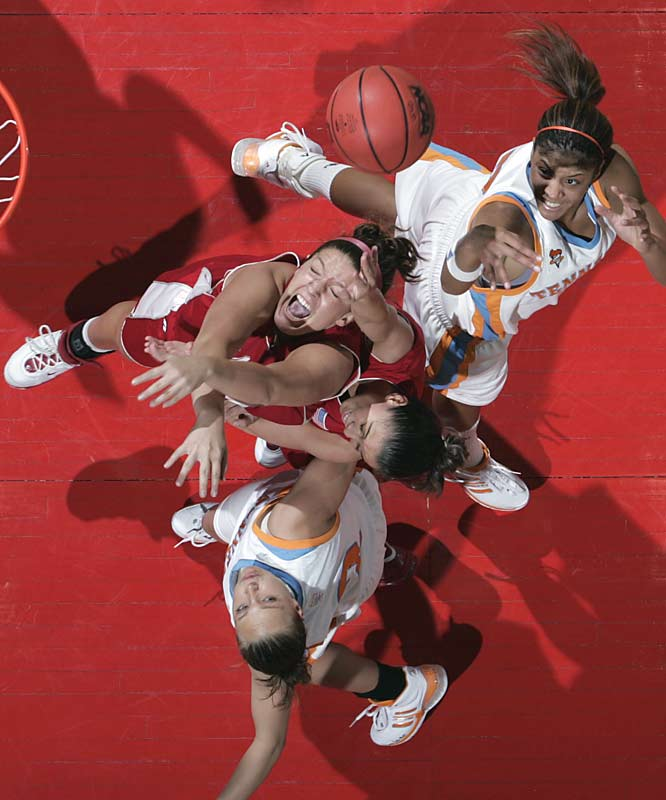 Candace Parker (upper right) hit her first eight shots to help top-seeded Tennessee beat Marist in the Dayton Regional.