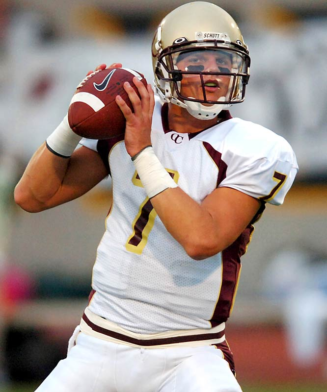 One of the most highly regarded quarterback recruits in history, Clausen made national headlines when he committed to Notre Dame at the College Football Hall of Fame. The heir apparent to Brady Quinn, Clausen must quickly learn Charlie Weis' offense as he's expected to start next year. Unfortunately for the Domers, there are reports out that Clausen will miss the start of spring practice with an undisclosed arm injury.