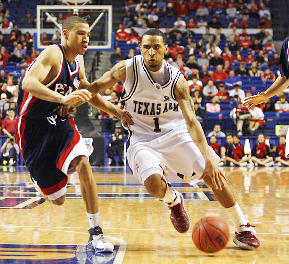 Acie Law IV put forth yet another steady performance, pacing Texas A&M with 20 points.