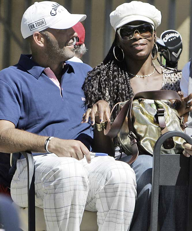 Rumors say that Venus Williams and PGA golfer Hank Kuehne are the new power couple in sports. Judging from this photo, the rumors seem true.