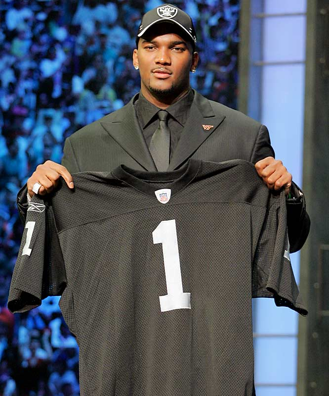 Soon after becoming the first overall pick of the 2007 NFL Draft, the former LSU quarterback watched as the Raiders traded away his top target, Randy Moss, for a fourth-round pick. Disappointed JaMarcus? Welcome to the Raider Nation.