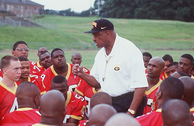 Known as a hands-on coach and a great motivator, Robinson sent more than 200 players to the NFL, including Super Bowl XXII MVP Doug Williams.