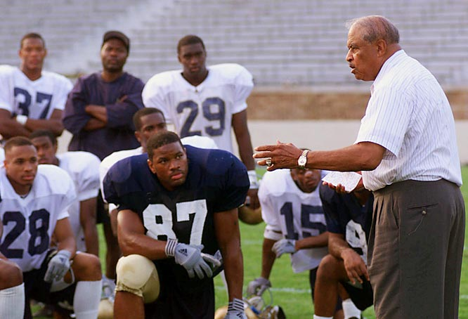 Robinson continued to motivate after his retirement and talked to the Notre Dame players before their first game of the 1999 season.
