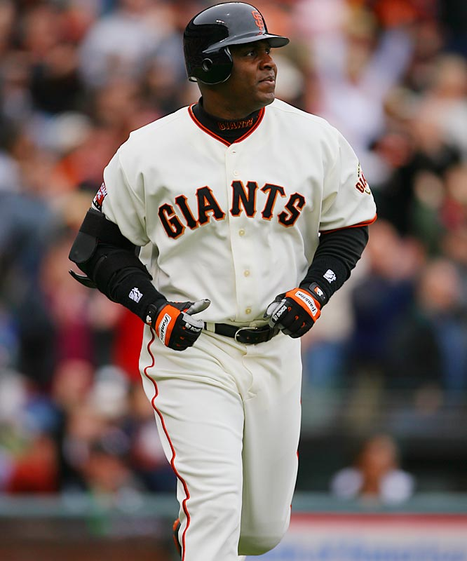 Barry Bonds<br>Date, Site: April 21, 2007, AT&T Park<br>Pitcher: Edgar Gonzalez<br>Inning: 2, Men on Base: 0, Outs: 0<br>Game Result: Giants 1, D'backs 0<br><br><br> Hank Aaron<br>Date, Site: June 12, 1975, Milwaukee County Stadium<br>Pitcher: Vida Blue<br>Inning: 5th, Men on Base: 0, Outs: 0<br>Game Result: Brewers 9, A's 7