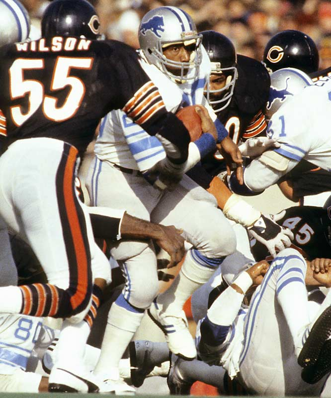 Before there was Barry Sanders, Sims electrified Lions fans. The former Oklahoma star ran for 1,303 yards as a rookie. The Lions improved from 2-14 in 1979 to 9-7 in 1979 and started selling out the Silverdome on a regular basis. Unfortunately, Sims couldn't stay healthy and only played until 1984.