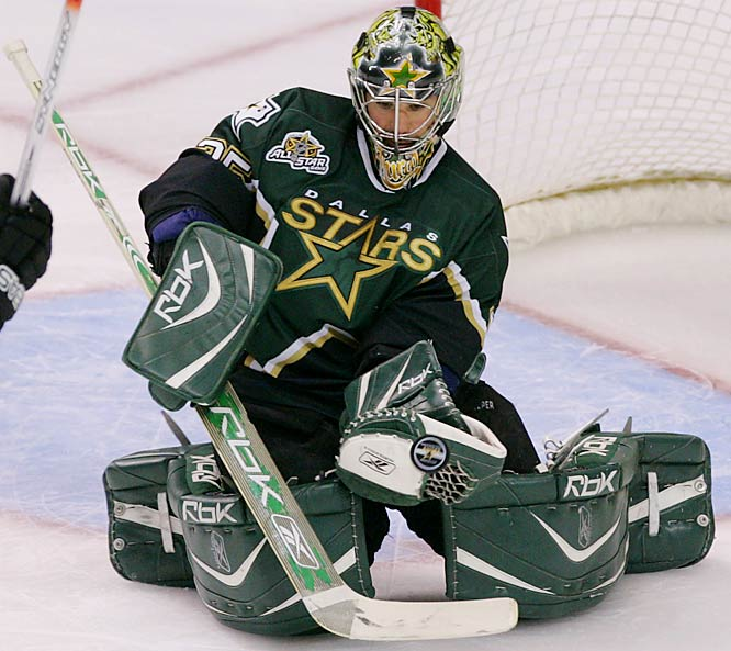 Marty Turco made 21 saves in his second consecutive shutout to even the series 3-3 and force a Game 7 in Vancouver on Monday.
