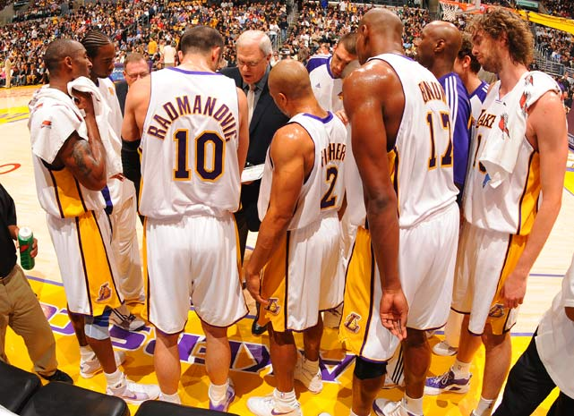 On Christmas Day 2008, the Lakers beat the Celtics in their first meeting of the season and Jackson became the fastest coach in NBA history win 1,000 games. He became only the sixth coach in history to reach the plateau. (George Karl has since made it seven.)