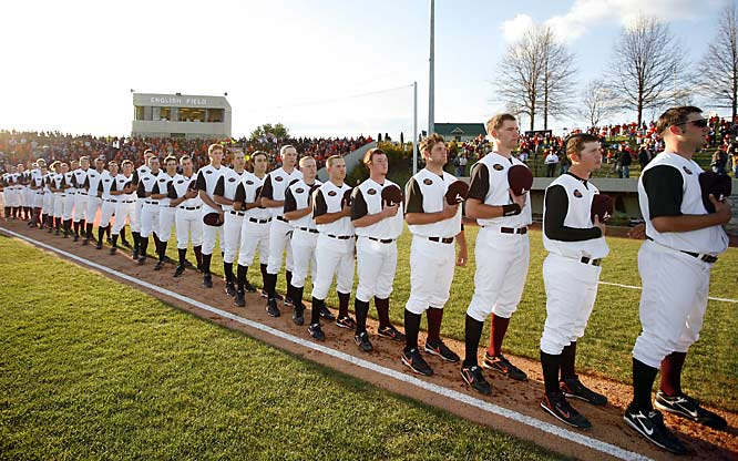 The Virginia Tech baseball team paused to honor their fallen classmates.