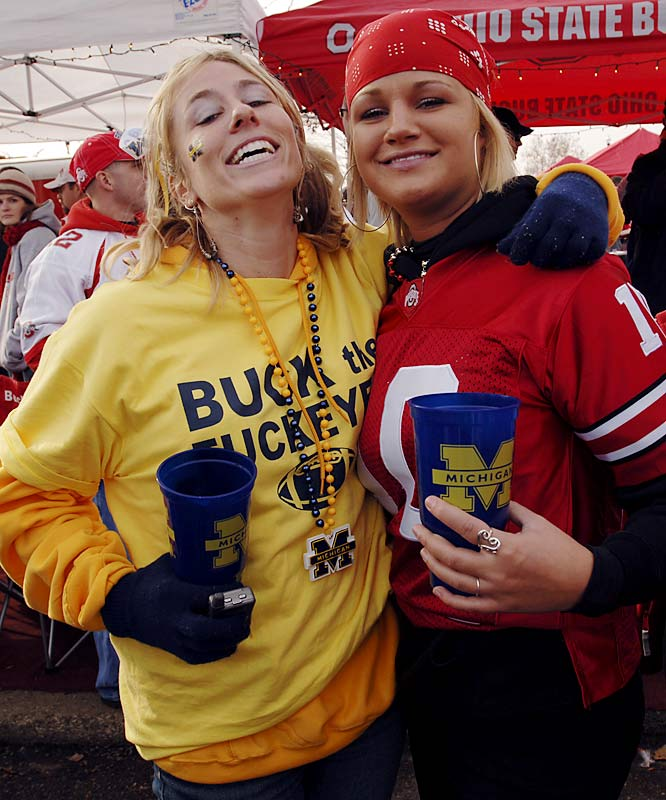 Who says Michigan and Ohio State fans can't get along?