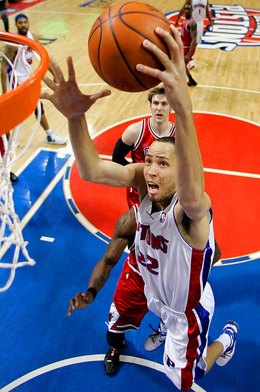 Tayshaun Prince produced 25 points and seven rebounds as the Pistons again routed the Bulls.
