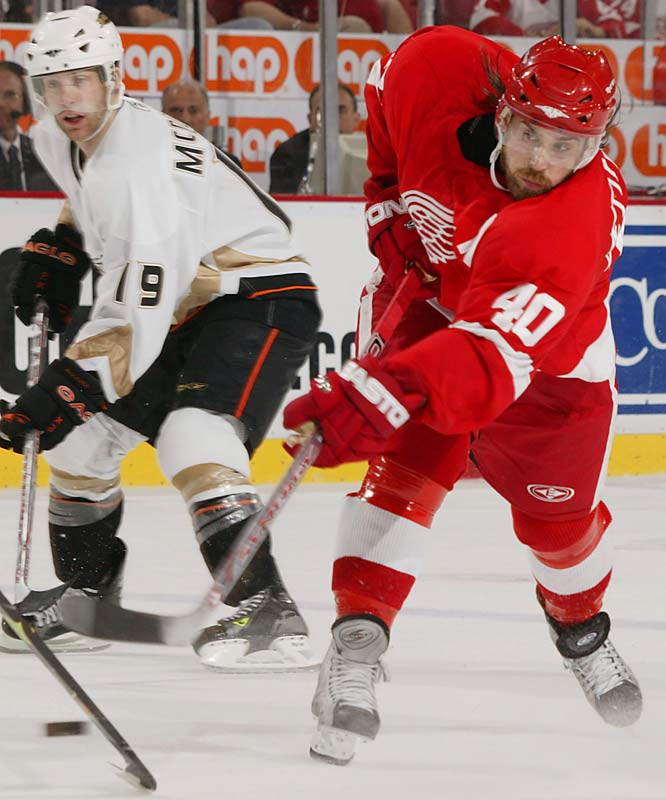Henrik Zetterberg struck early for the Red Wings, scoring at 3:44 of the first period.
