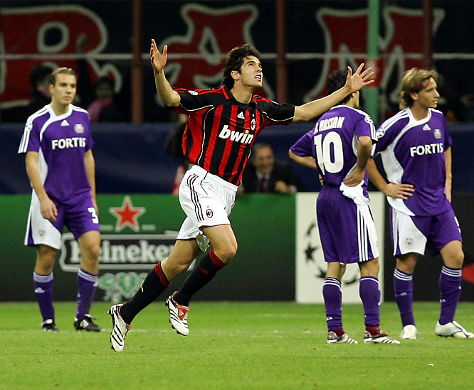 "AC Milan was the only powerhouse in the weakest group in the Champions League. That allowed the Rossoneri to beat up on the likes of AEK Athens, Anderlecht and Lille. It also allowed Kaká to find the explosive form that has made him the top scorer of the tournament. The Brazilian bagged a hat trick in a 4-1 demolition of Anderlecht. ""He's exceptional -- he can do absolutely anything,"" said Milan coach Carlo Ancelotti. ""For me, he's the best player in the world at the moment."""