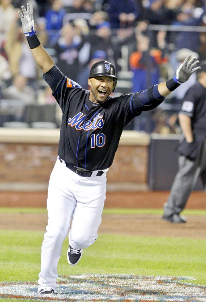 After eight teams and more than 22 seasons, Gary Sheffield became the 25th player to join the 500 home run club on April 17, 2009, with a solo shot in the seventh inning off Brewers' reliever Mitch Stetter. It was Sheffield's first homer -- and hit -- after signing with the Mets.