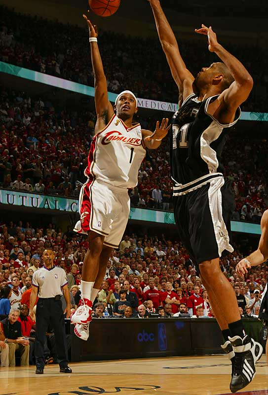 Tim Duncan tallied 14 points and had nine rebounds in the low-scoring game.