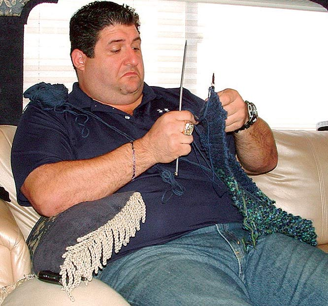 Fox NFL sideline reporter and former Ravens defensive tackle Tony Siragusa appeared in four episodes as Frankie Cortese during season five.