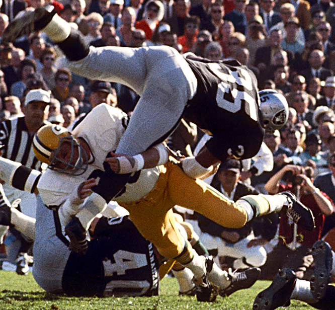 "1958-1972 Green Bay <br><br>Nitschke, who at times seemed to truly enjoy hitting people, treasured the reputation he earned as one of the hardest hitters in the game. ""You want them to respect you when they run a play,"" he said. ""You want them to remember you are there."""