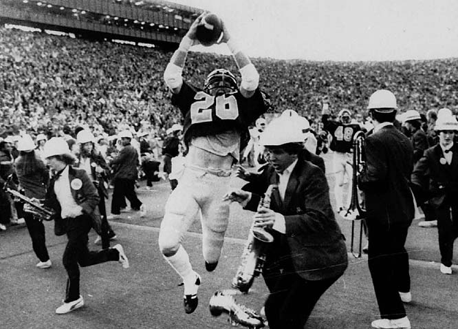 Cal's Kevin Moen exulted after his mad dash through the Stanford marching band in 1982.