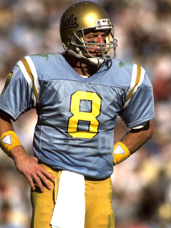 Aikman led the Bruins to 20 wins over the course of his two seasons at UCLA, throwing 42 touchdowns during that span. He was recognized as the nation's top quarterback during his senior year before the Cowboys took him with the top pick in the 1989 NFL Draft.