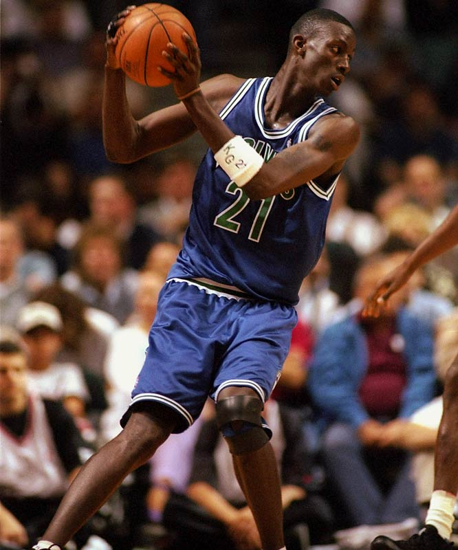 The Big Ticket made his regular-season debut Nov. 3, 1995, as the NBA's youngest player. The 19-year-old hit all four of his field goal attempts and finished with eight points in 16 minutes off the bench in a 95-86 loss to Sacramento.
