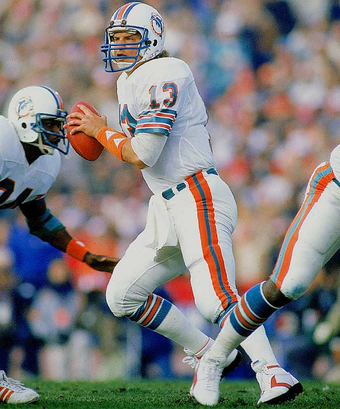 In just his second NFL season in 1984, Marino set the all-time record for passing yards in a season (5,084) on his way to earning a trip to Hawaii while still just 22.