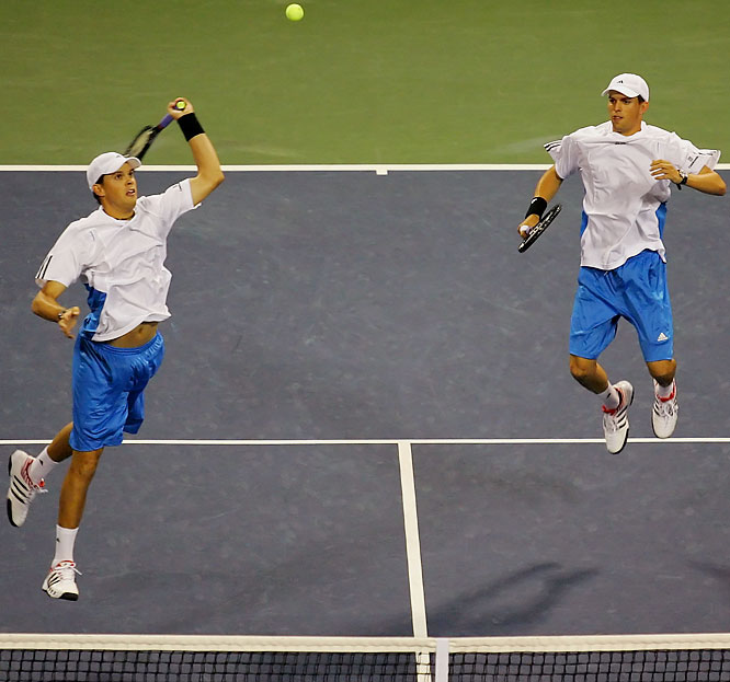 Who needs singles play? The Bryans are probably the best American hope for a crown in Queens. The Los Angeles-area twins are the top seed in the men's doubles draw and already have a U.S. Open title under their belts from '05 -- they've also completed a career Grand Slam with four other major titles.