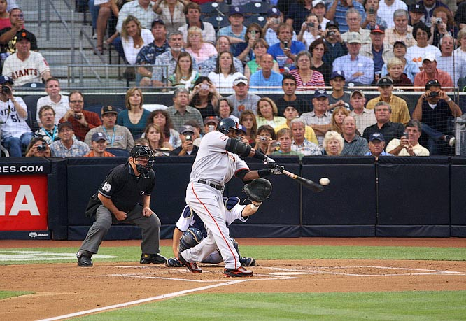 With this swing, Bonds tied Hank Aaron with 755 career home runs.