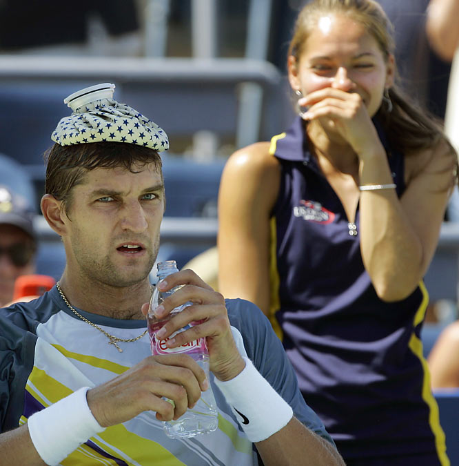 We hope for this ballgirl's sake that Max Mirnyi doesn't see this photo.
