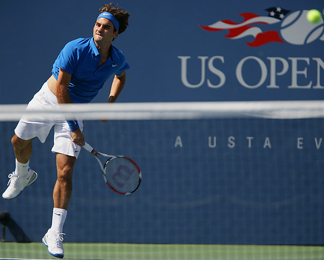Top seed Roger Federer began his bid for a fourth consecutive U.S. Open title with a 6-3, 6-2, 6-4 victory over American qualifier Scoville Jenkins.
