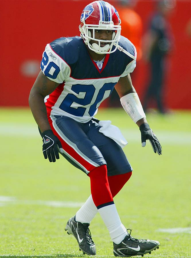 Whitner has ball-hawking skills he didn't get to show much last year, but he could become more of an Ed Reed-type safety this season, with the ability to stop the run and create turnovers. Last year's first-round pick should have a better understanding of the defense and help the Bills improve against the pass.