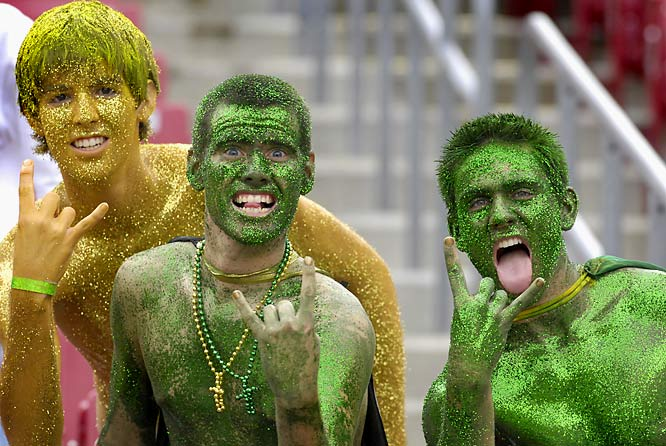 They may not have a top-tier football program (yet), but for our money, nobody does face paint like South Florida fans.