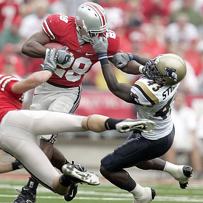 Running back Chris Wells and Ohio State had trouble shaking loose from Akron on Saturday.
