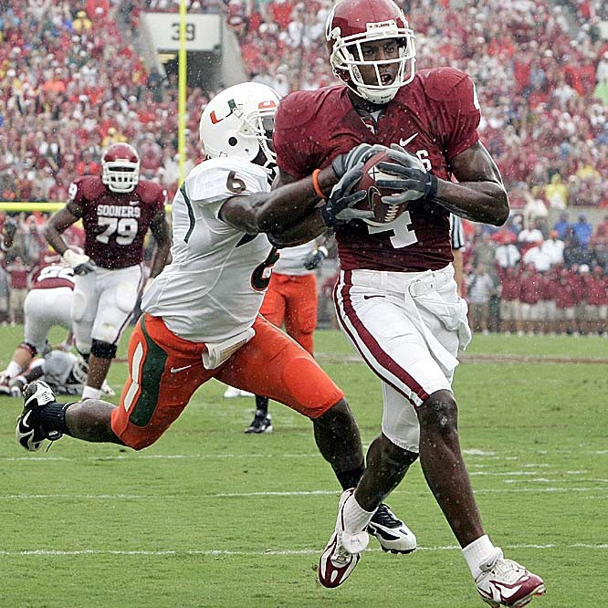 Oklahoma wide receiver Malcolm Kelly caught four passes for 102 yards and three touchdowns in the Sooners' rout.