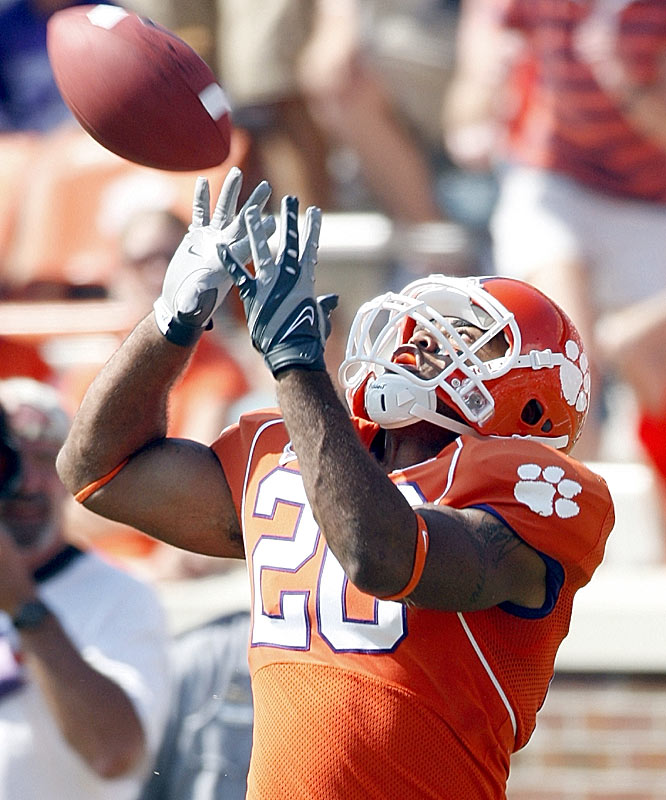 La'Donte Harris makes a 42-yard touchdown catch against Furman in the fourth quarter.