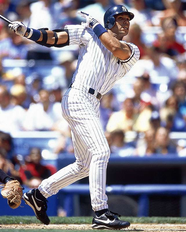 David Justice arrived in the Bronx in July 2000, then helped the Yankees reach the postseason by hitting seven home runs with 19 RBIs over the season's final month. New York finished the season 21/2 games in front of the Red Sox before winning the World Series.