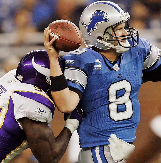 Jon Kitna was knocked out of the game with a concussion in the second quarter, but returned in time to set up the game-winning 37-yard field goal.