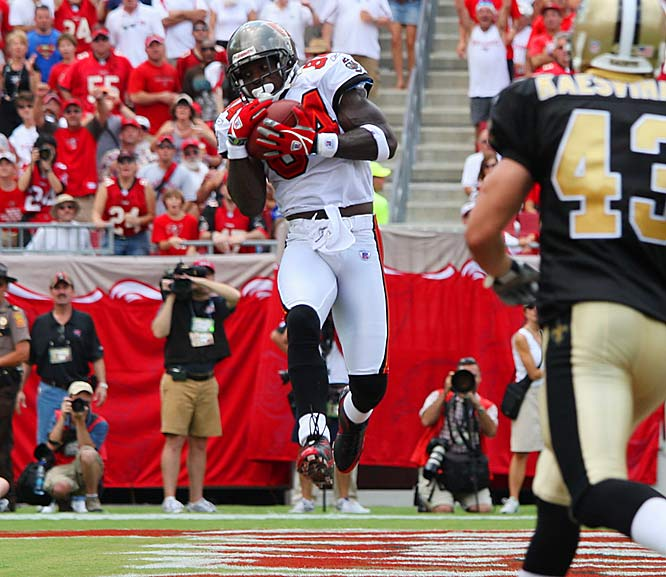 Joey Galloway tormented the suddenly defenseless Saints with four catches for 135 yards and two touchdowns, both in the second quarter.
