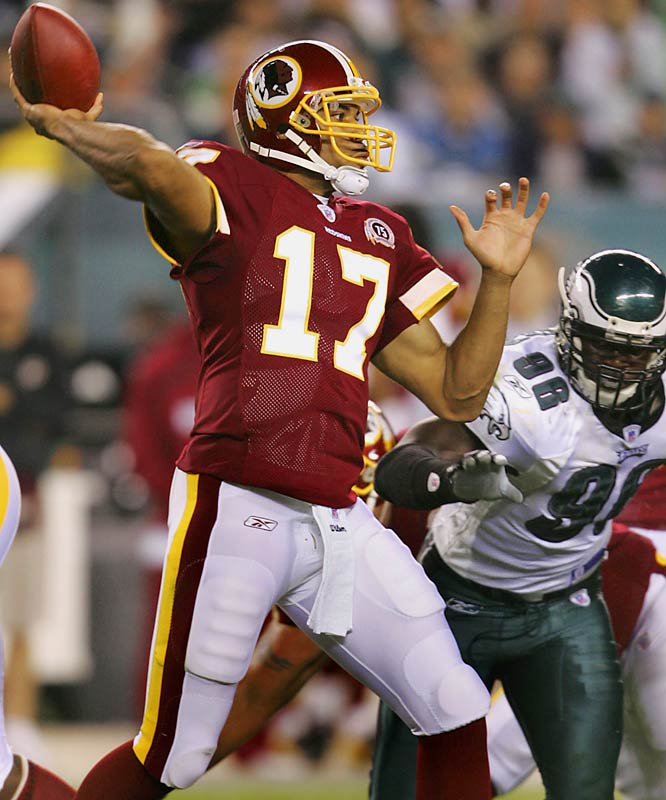 Jason Campbell completed 16-of-29 passes for 209 yards with one interception and threw a clutch touchdown pass to tight end Chris Cooley late in the first half. Campbell showed poise in leading the Redskins, with sharp passes and timely third-down conversions against the Eagles.