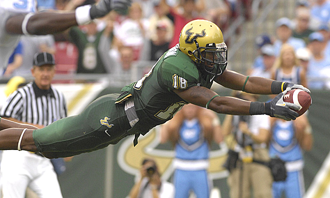 Amarri Jackson was one of 10 South Florida players with a reception, including this 12-yard diving touchdown.
