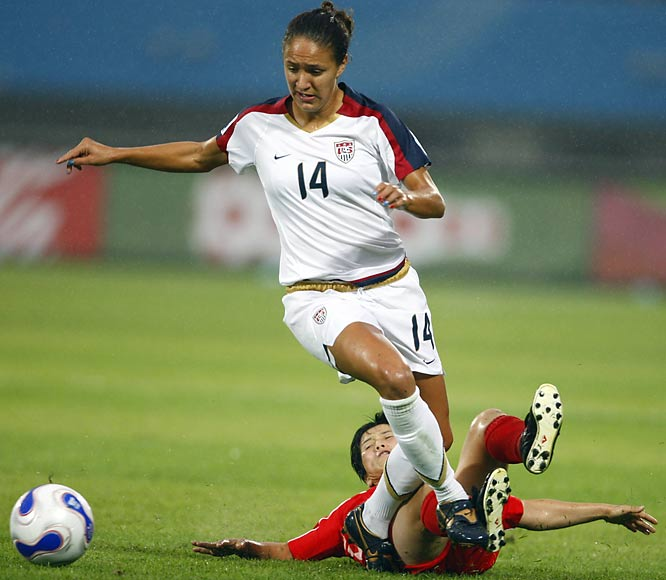 A collegiate star, U.S. defender Stephanie Lopez led the University of Portland to a 23-0-2 record and the NCAA Championship in 2005.