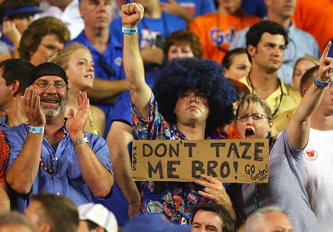 A Florida fan holds issues a warning to the Baton Rouge Police Department.